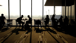 最近の空港がすごい!動画で見る、日本の空港〜プラネタリウムカフェやチョコレート工場もあるよ〜