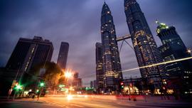 【動画で学ぶ】移住者が急増中のマレーシアでは、家賃7万円でプールや警備員がついた高級マンションに住める!?