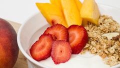 身近な食材で美と健康を手に入れる!水切りヨーグルトのアレンジ動画