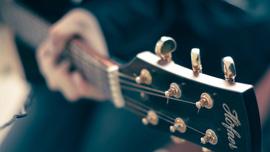クラシックギターでCM曲を弾いてみた!素人のクオリティーも上がりつつ・・・ある?