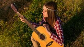 キャッチーなあのCM曲をギターで弾いてみた動画を5つご紹介